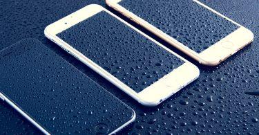 Skleněný iPhone