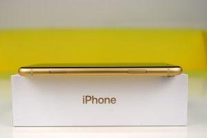 iPhone XR recenze